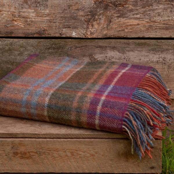Klassische Decke aus reiner Wolle