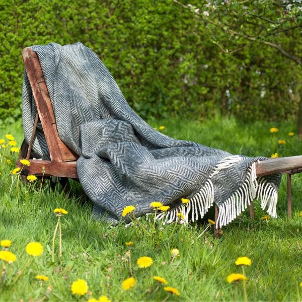 Handgewebte Decke aus Schurwolle