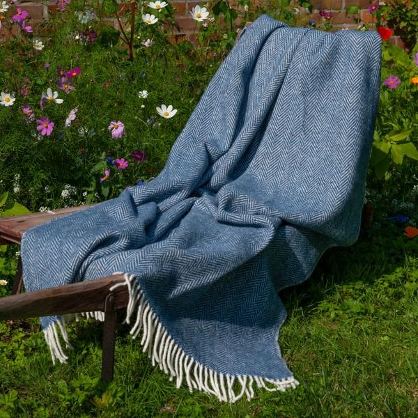 Blaue Wohndecke, handgewebt