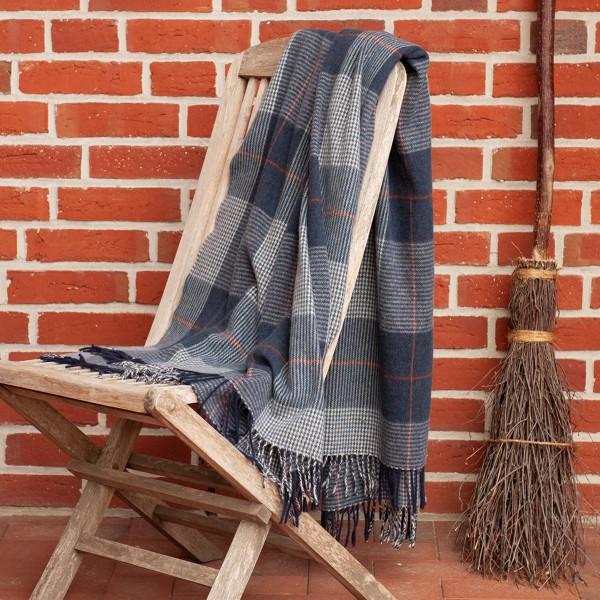 Klassische Wolldecke, blau kariert